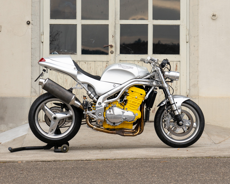 01_Triumph-Bike